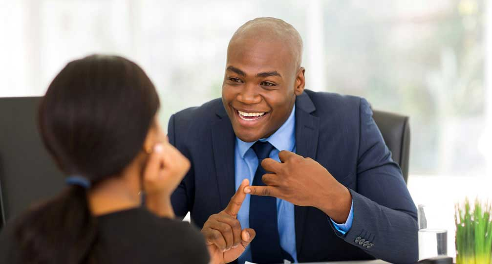 Guy-Explaining-AVBOB-Benefits